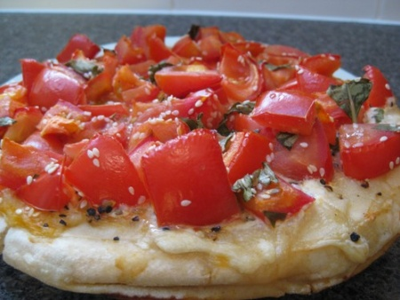 Mediterranean_Pizza_cooked