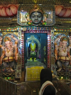 ganesha_at_Glass_Temple
