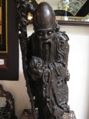 goblin_statue_at_Pinang_Peranakan_Mansion