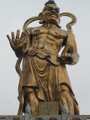 warrior_statue_2_at_Kek_Lok_Si_temple
