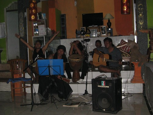 Rustys_band_performing