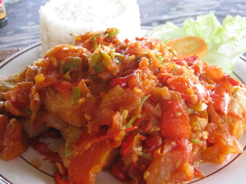 Tahu_Goreng_at_rice_terrace_coffee_shop