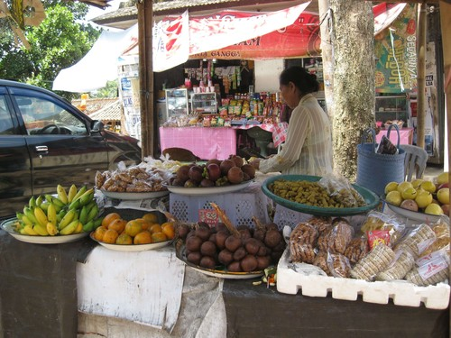 market_at_water_palace