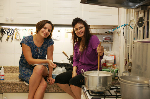 LC_and_Ning_in_the_kitchen