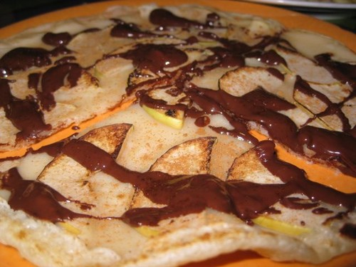 apple_cinnamon_and_Monggo_pancake_at_Milas