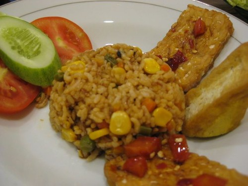 fried_rice_tempeh_and_tofu_breakfast