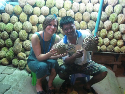 LC__Durian_in_Medan_with_owner