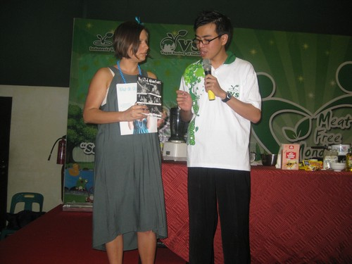 LC_with_books_food_demo_Medan