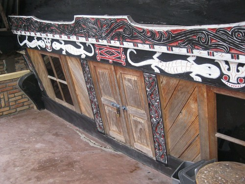 door_on_Batak_house_at_Ambarita