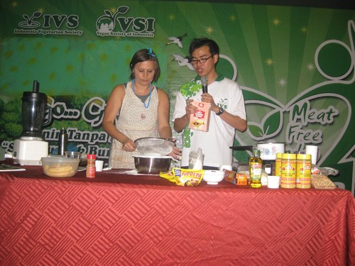 food_demo_with_Ferdy_in_Medan