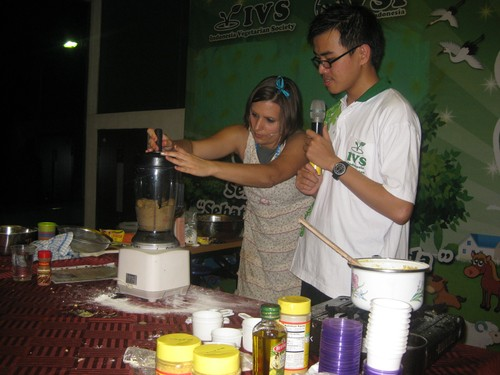 making_banana_ice_cream_in_Medan