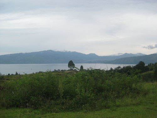 mountains_and_fog_Samosir_island