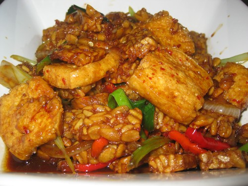 tempeh_and_tofu_sambal_at_Ambarita