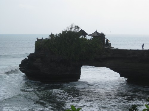 Batu_Bolong_Temple