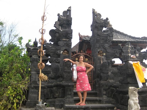 Batu_Bolong_Temple__LC