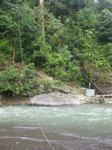how_to_get_over_the_river_at_Bukit_Langwan