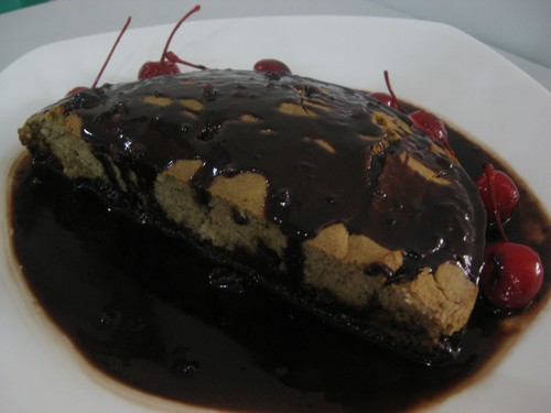 bread_with_sauce_and_cherries