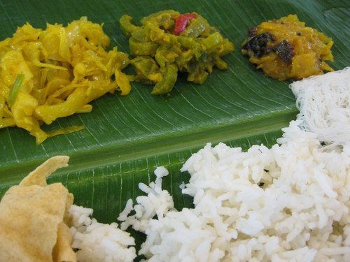banana_leaf_curries_at_Abiramei