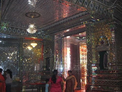 ceiling_at_Glass_Temple