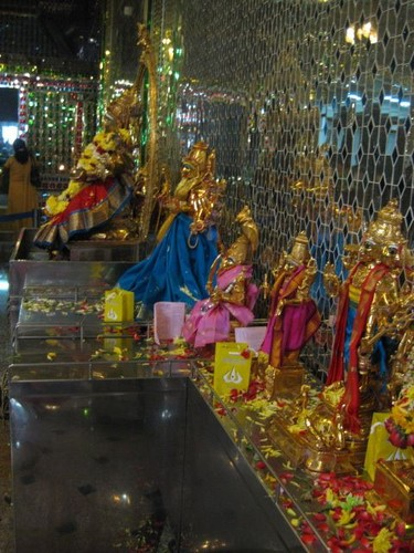 statues_of_gods_on_alter_at_Glass_Temple
