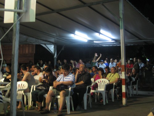 Muay_Thai_audience_in_Chaing_Mai