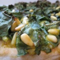 spinach pine nut pizza