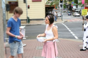 LC_leafleting_pic_by_CSP