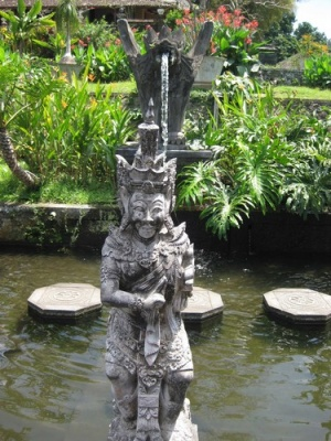 guardian_at_water_palace