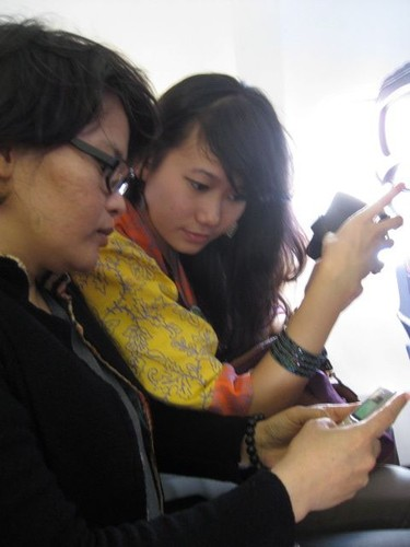 Chindy__Santhi_-_always_on_their_phones