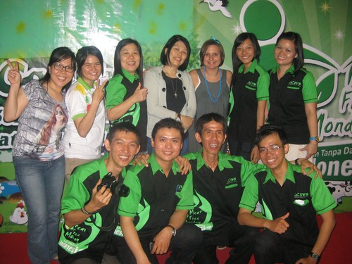 IVS_Medan_crew_with_LC