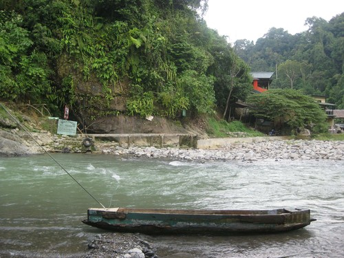 boat_to_get_over_river_at_Bukit_Langwan