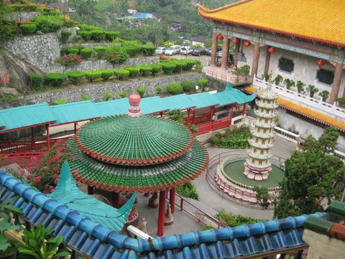 view_from_above_at_Kek_Lok_Si_temple